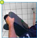 Un bras de vidange rotatif intégré de conception unique et un bouton d'évent facilitent la vidange dans un endroit adapté.